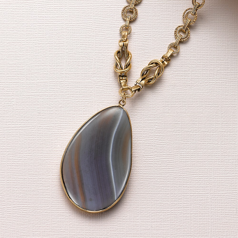 Heirloom Elegance Agate Necklace
