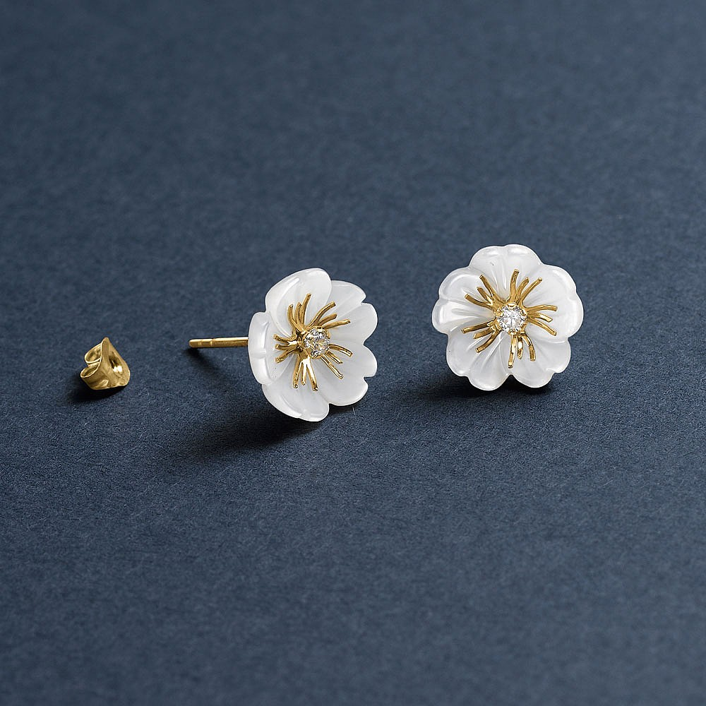 Meadowsweet 9ct Gold Stud Earrings
