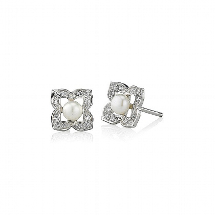 Pearl Twinkle Stud Earrings