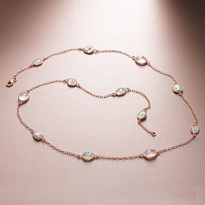 La Vie En Rose Necklace