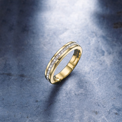 Hold Me Close Diamond & Gold Ring
